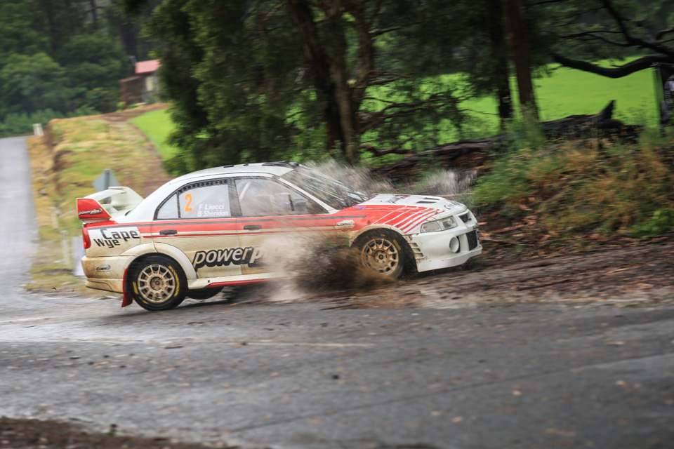 Rally photographer Mitsubishi Lancer EVO 6